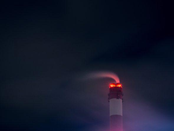 chimney-923909_960_720-590x2000